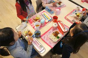 全日幼稚園 1日の流れ アクトン ランチ風景